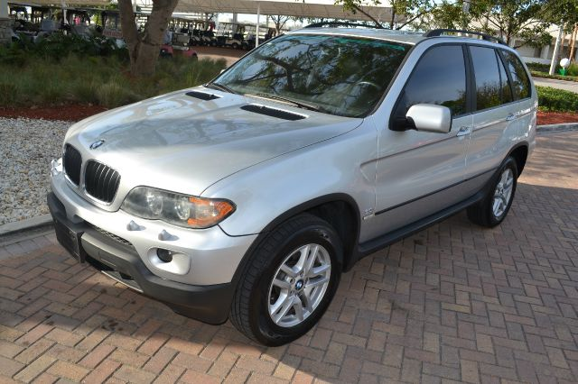 2004 BMW X5 30I silver we have financing available for all yours financial needs  you just come