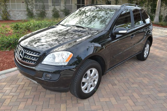 2007 MERCEDES-BENZ M-CLASS ML350 black we have financing available for all yours financial needs