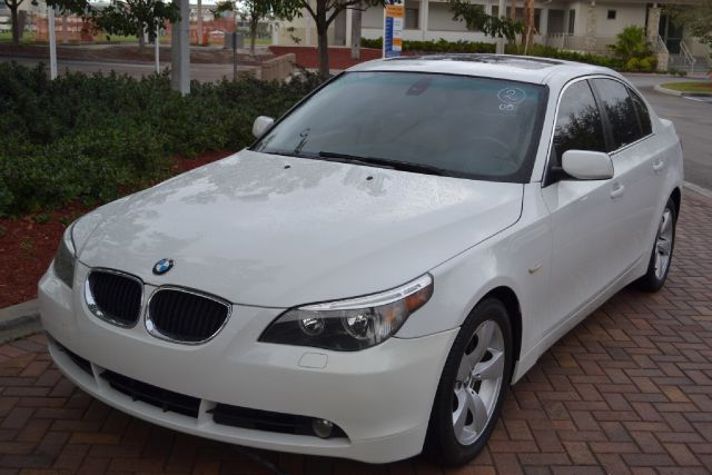 2005 BMW 5 SERIES 525I white we have financing available for all yours financial needs  you just