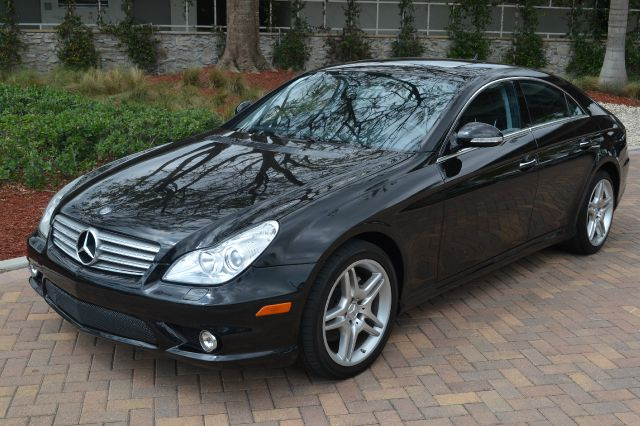 2007 MERCEDES-BENZ CLS-CLASS CLS550 4-DOOR COUPE black we have financing available for all yours f