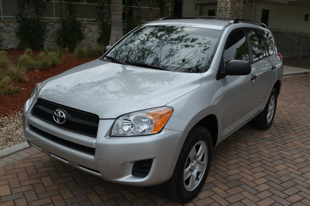 2011 TOYOTA RAV4 BASE I4 2WD WITH 3RD ROW silver we have financing available for all yours financi