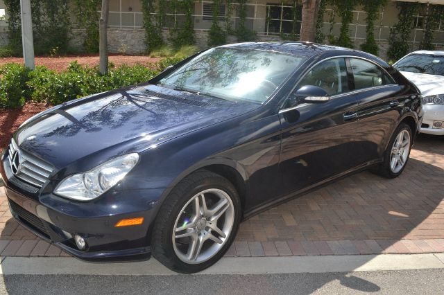 2006 MERCEDES-BENZ CLS-CLASS CLS500 4-DOOR COUPE dark blue wow absolutely gorgeous luxury loaded