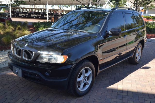 2001 BMW X5 30I black we have financing available for all yours financial needs  you just come i