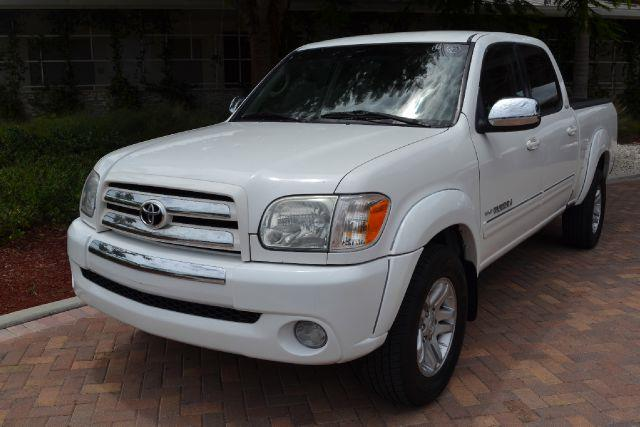 2006 TOYOTA TUNDRA SR5 white this is the heavy-weight lifting toyota tundra pick-up truck perfect