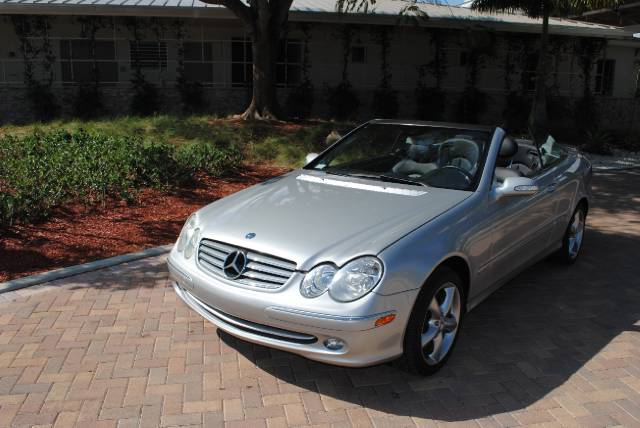 2005 MERCEDES-BENZ CLK-CLASS CLK320A silver this is the perfect car to ride down south beach on e