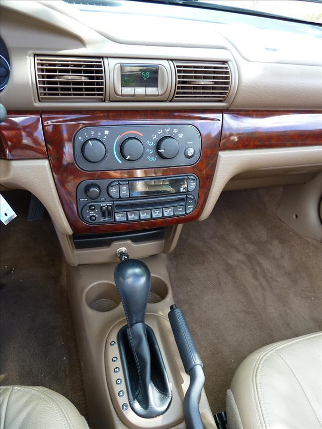 Image 4 of 2002 Chrysler Sebring…