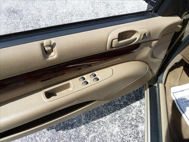 Image 16 of 2002 Chrysler Sebring…