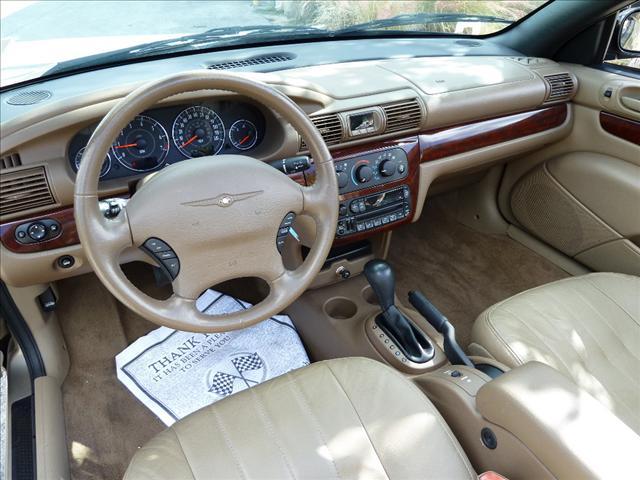 Image 17 of 2002 Chrysler Sebring…