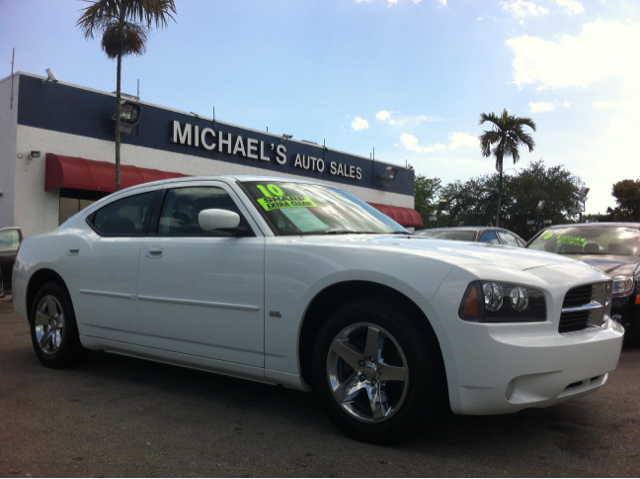 2010 DODGE CHARGER SXT white gold sharp extra clean  this 2010 dodge charger is a great buy rea