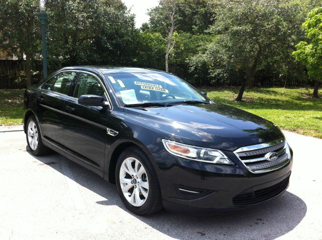 2011 FORD TAURUS SE FWD tuxedo black metallic call now 1-866-717-9571   free autocheck  carfax r