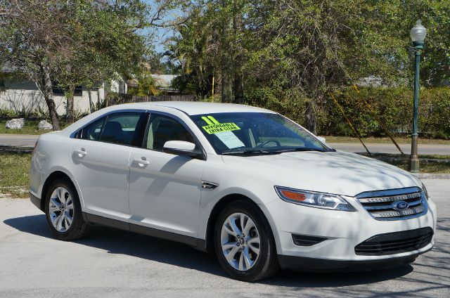 2011 FORD TAURUS SEL FWD white platinum metallic abs brakesair conditioningalloy wheelsamfm ra
