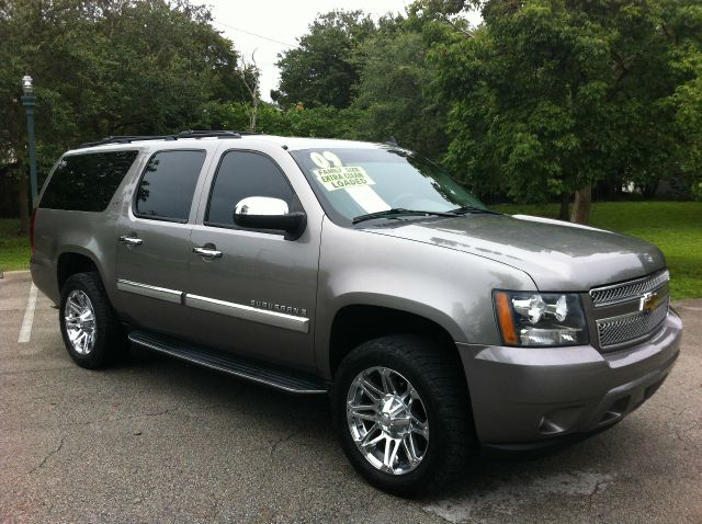 2009 CHEVROLET SUBURBAN LT1 1500 4WD graystone metallic call now 1-866-717-9571   free autocheck
