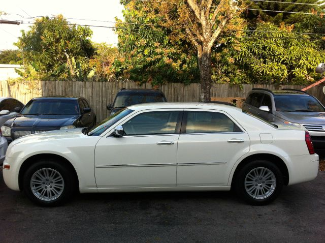 2010 CHRYSLER 300 TOURING stone white call now 1-866-717-9571   free autocheck  carfax report e