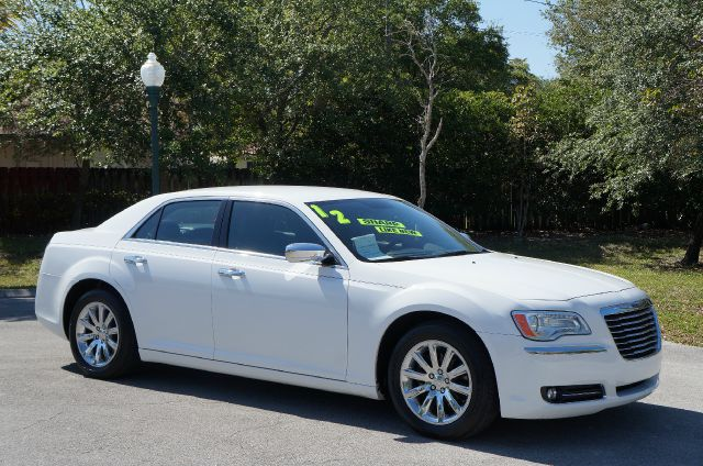 2012 CHRYSLER 300 LIMITED RWD bright white abs brakesair conditioningalloy wheelsamfm radioau