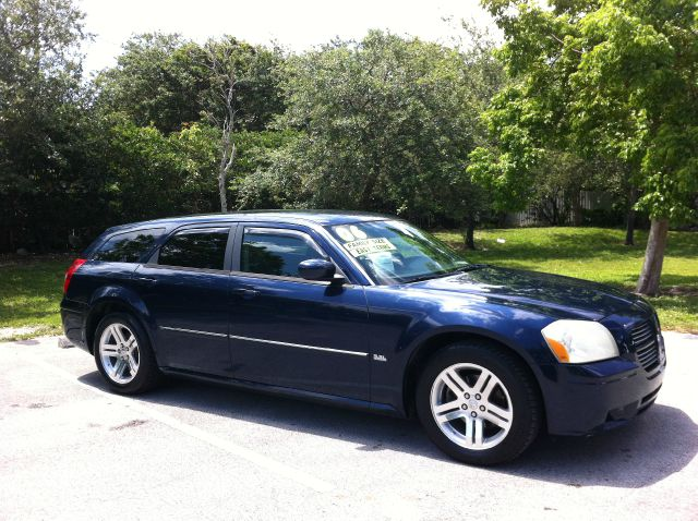 2006 DODGE MAGNUM SXT midnight blue pearl call now 1-866-717-9571   free autocheck  carfax repor