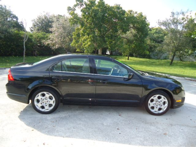 2010 FORD FUSION SE tuxedo black metallic great buy affordable  extra clean come on in to drive