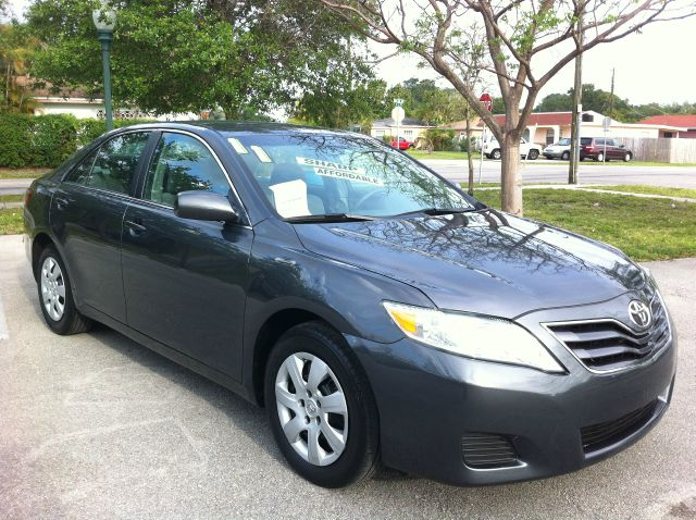 2011 TOYOTA CAMRY LE 6-SPD MT magnetic gray metallic like new great buy  hurry in and dont miss