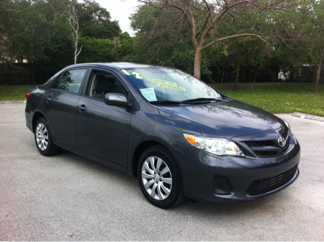 2012 TOYOTA COROLLA LE 4-SPEED AT magnetic gray metallic like new best buy  hurry in before this