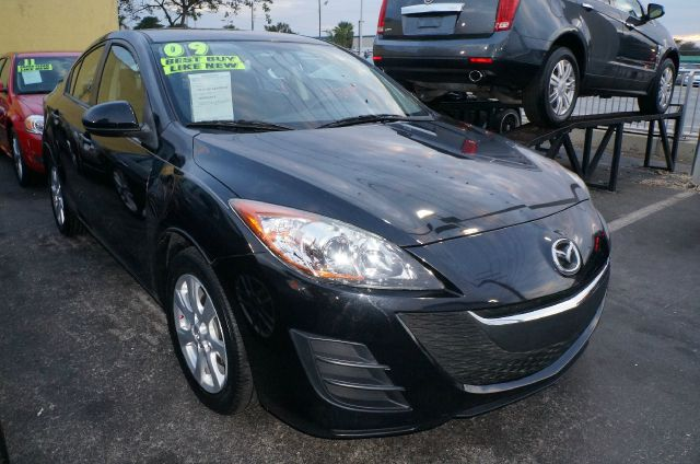 2010 MAZDA 3 I SPORT 4-DOOR black mica -low miles- mp3 cd player -great fuel economy- this 2010 m