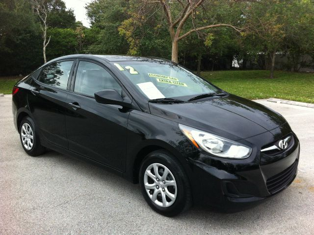 2012 HYUNDAI ACCENT GLS 4-DOOR ultra black pearl call now 1-866-717-9571   free autocheck  carfa