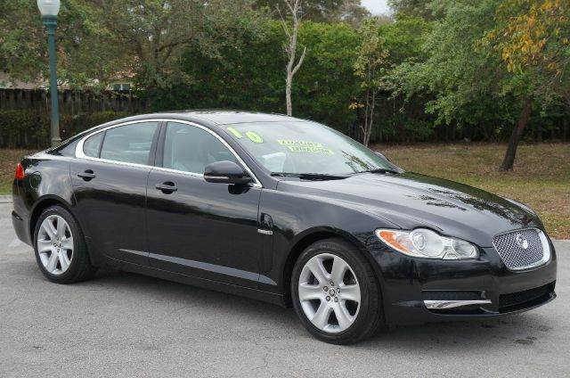 2010 JAGUAR XF LUXURY ebony abs brakesadjustable foot pedalsair conditioningalloy wheelsamfm
