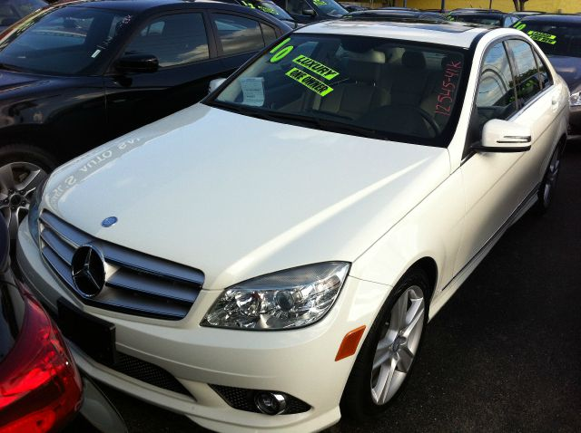 2010 MERCEDES-BENZ C-CLASS C300 LUXURY SEDAN arctic white call now 1-866-717-9571   free autochec