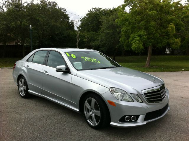 2010 MERCEDES-BENZ E-CLASS E350 SEDAN 4MATIC iridium silver metallic call now 1-866-717-9571   fr