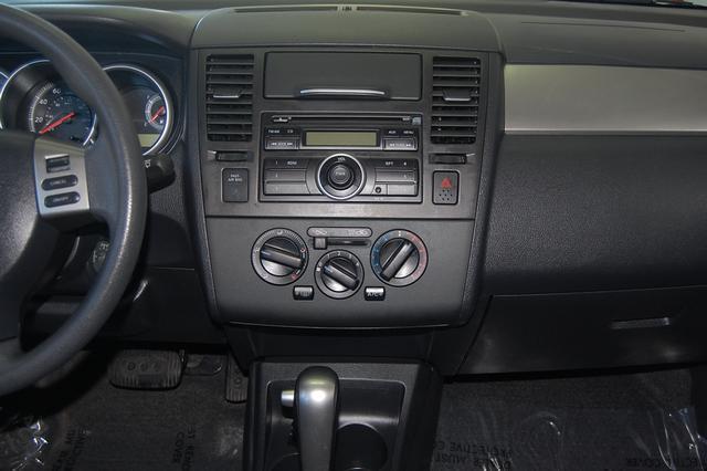 Image 15 of 2011 Nissan Versa 1.8…