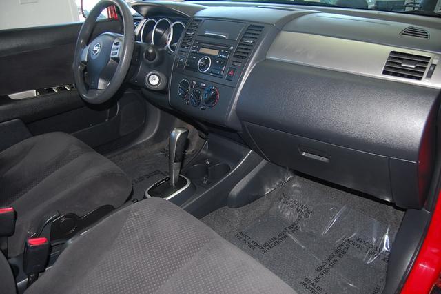 Image 16 of 2011 Nissan Versa 1.8…