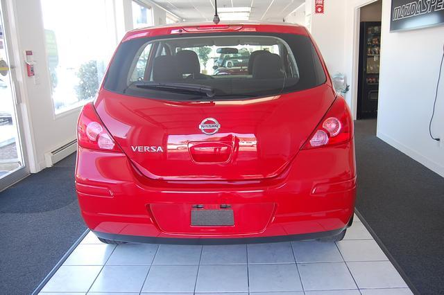 Image 22 of 2011 Nissan Versa 1.8…