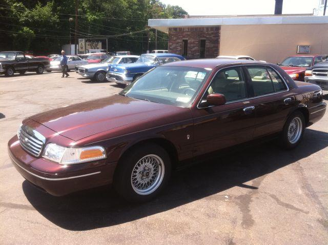 2000 Ford Crown Victoria LX, Special Edition - Elizabeth PA