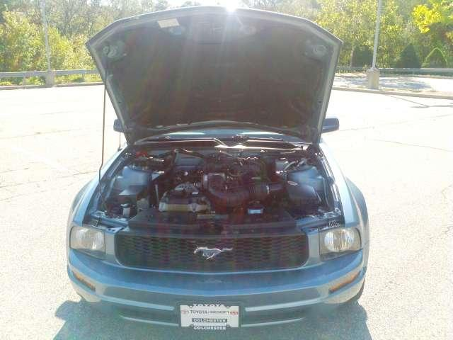 Image 12 of 2006 Ford Mustang V6…