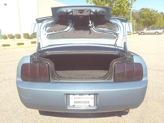 Image 49 of 2006 Ford Mustang V6…