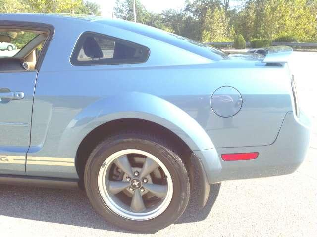Image 51 of 2006 Ford Mustang V6…