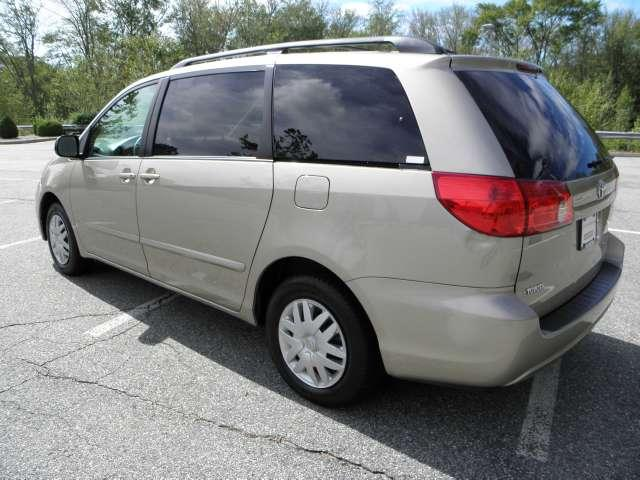 Image 46 of 2007 Toyota Sienna LE…