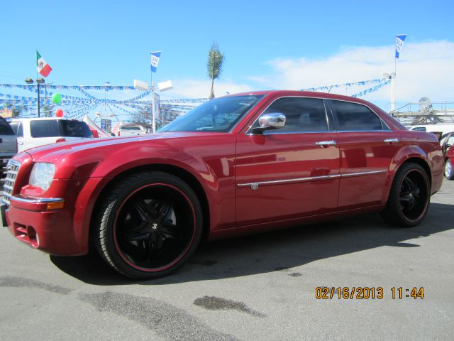 2008 CHRYSLER 300C C ruby red abs brakesadjustable foot pedalsair conditioningalloy wheelsamf