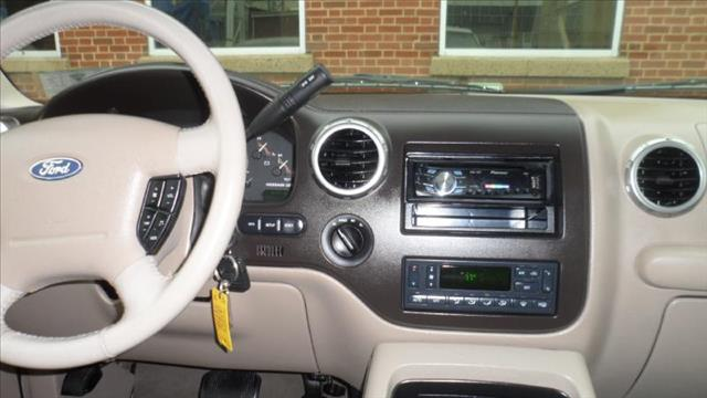 Image 23 of 2003 Ford Expedition…