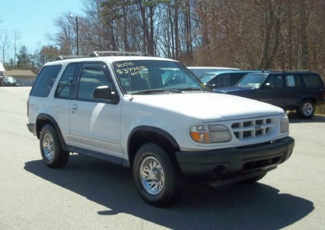 2000 Ford Explorer