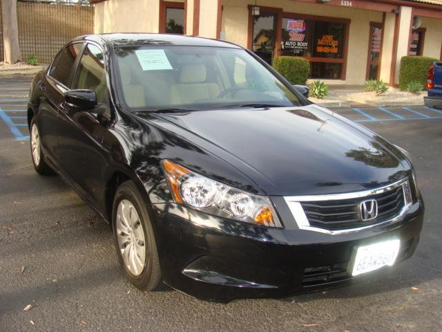 2008 HONDA ACCORD LX black almost new smells new gas saver pass-thru folding rear seat vtec en
