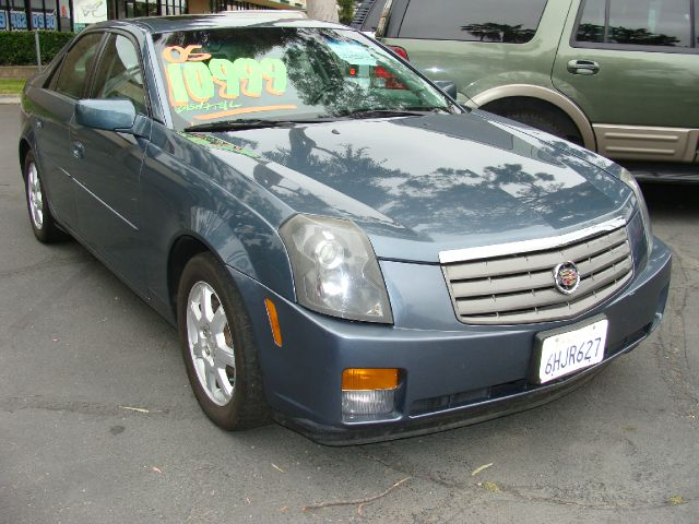 2005 CADILLAC CTS BASE blue clean carfax and title report airconditioned  v-6  power rack and p